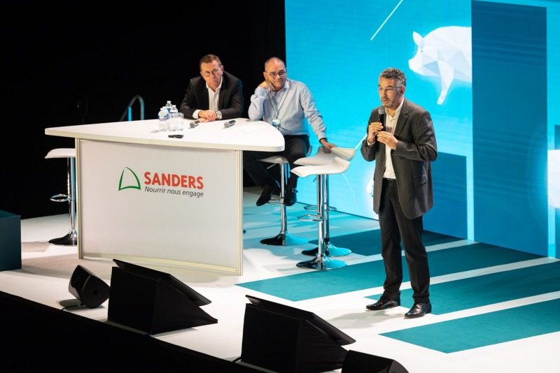 sanders-2611190407